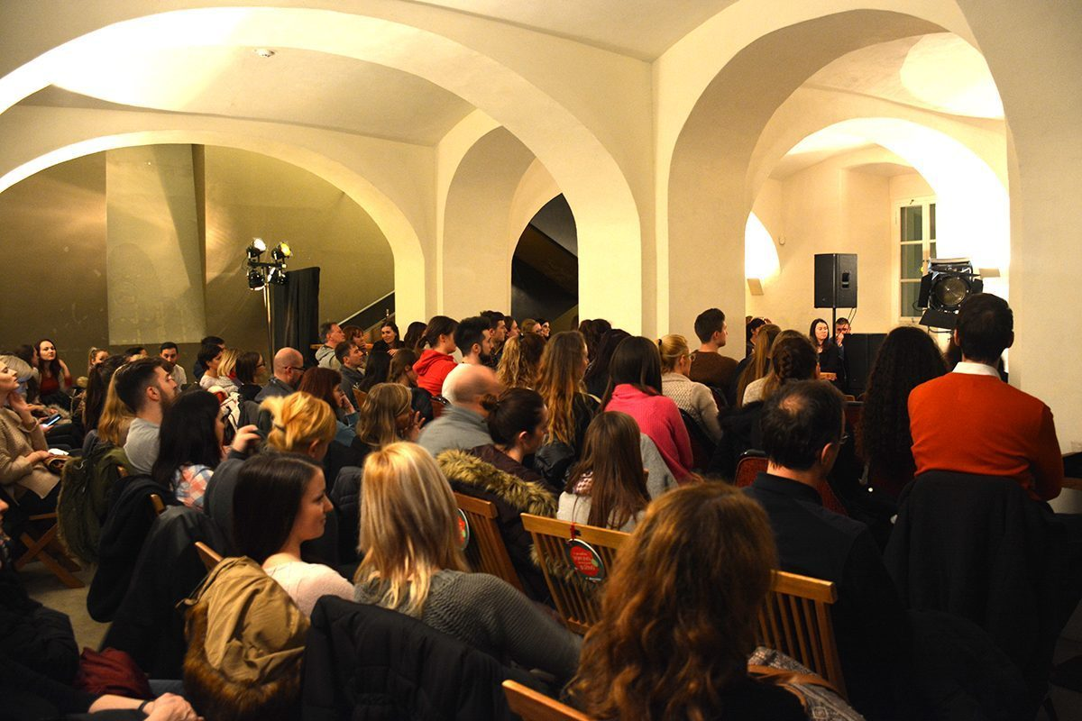 Predavanja se je udeležilo 120 ljudi, visoka udeležba nakazuje predvsem na željo ljudi po izgradnji lepših in trdnejših medsebojnih odnosov.