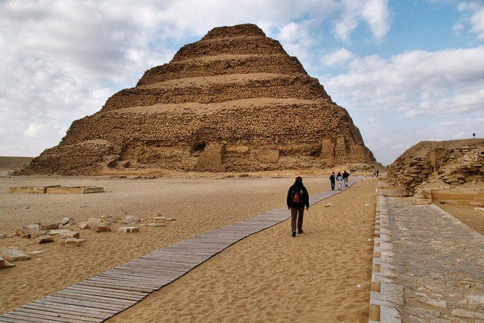 Nova Akropola - Saqqara-djoser-piramida